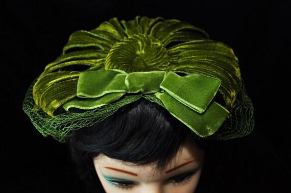 Vintage Fascinator Hat with Veil Ladies Vintage 60s Era Union Label
