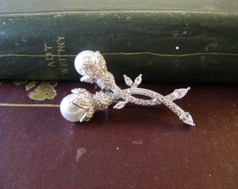 Vintage Rhinestone and Pearl Brooch