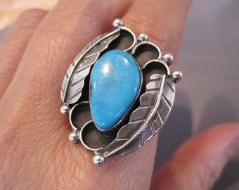 SALE - Vintage Sterling Turquoise Double Feather Navajo Ring