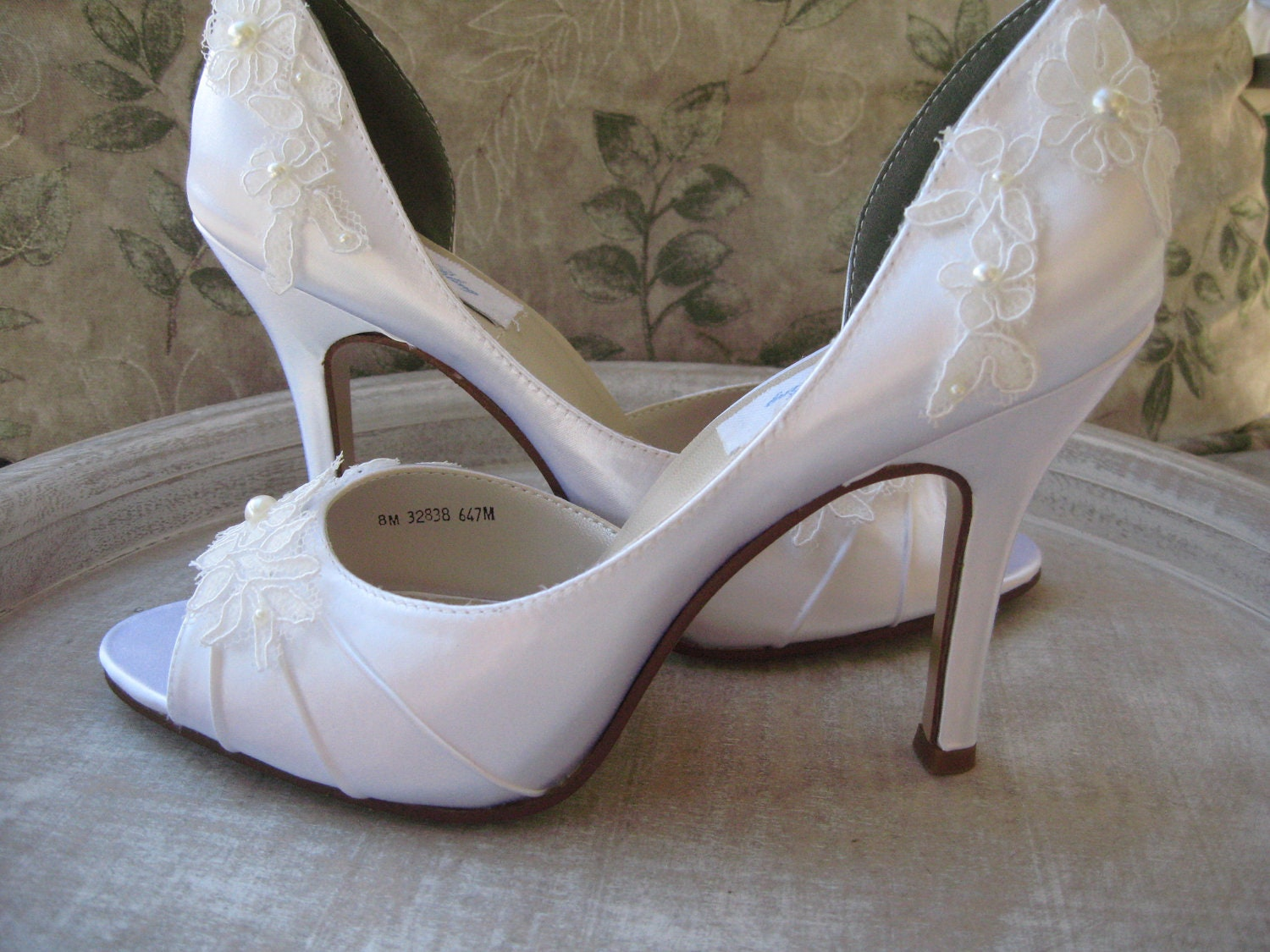 wedding shoes lace wedding shoes ivory or white lace bridal shoes 1125