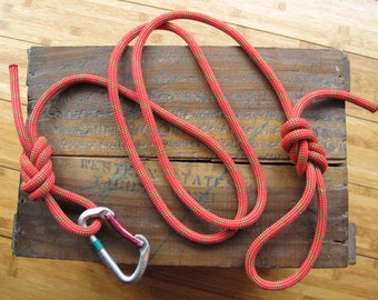Recycled Climbing Rope & Carabiner Dog Leash - Red