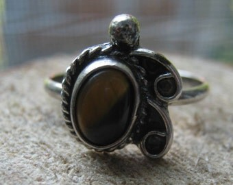 Vintage Sterling Silver Ring with Brown Tigers Eye Ladies Ring Size 5 1/2 Southwest Design