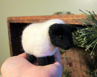 Felted Sheep - Needle Felted Animal - Sheep Miniature