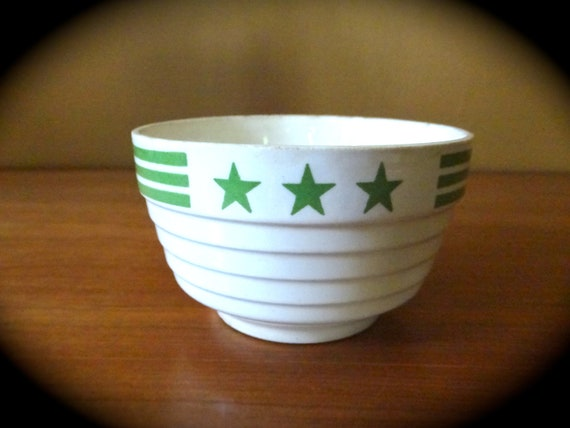 Three Green Stars Ironstone Bowl