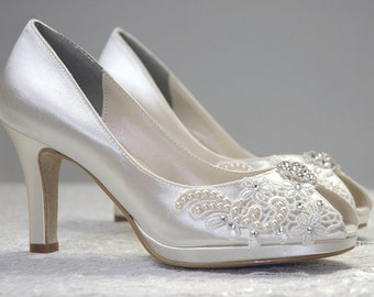 Womans Low Heel Wedding Shoes Womans Vintage By Pink2Blue