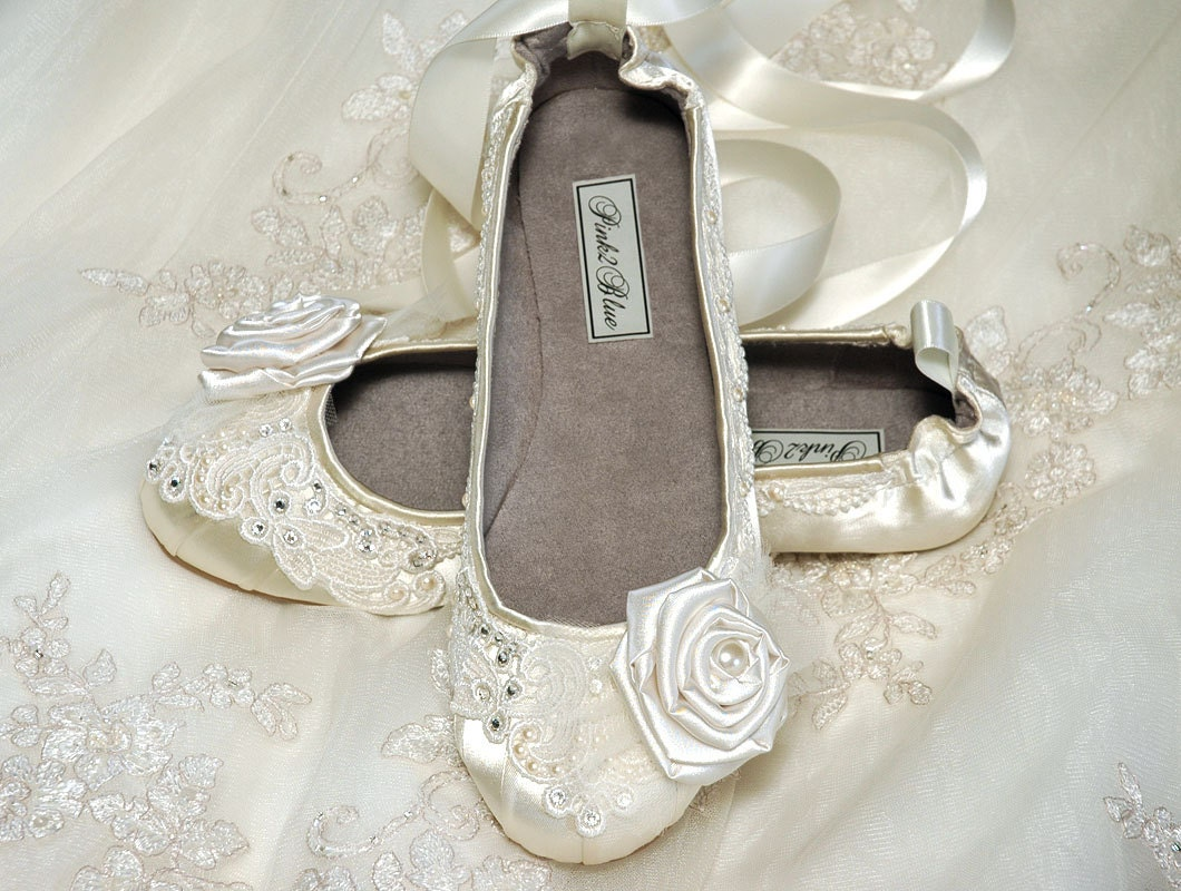 Wedding Wedding Slippers wedding shoes ballet flats vintage lace swarovski crystals