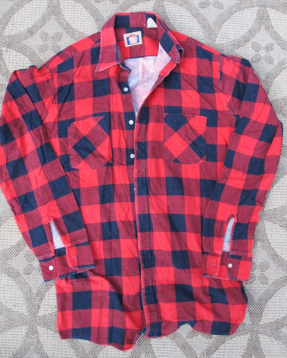 Classic buffalo plaid flannel shirt large made in by for Red buffalo flannel shirt