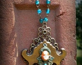 Chunky Industrial Key Hole Cameo Pendant Necklace Vintage Rosary Beads