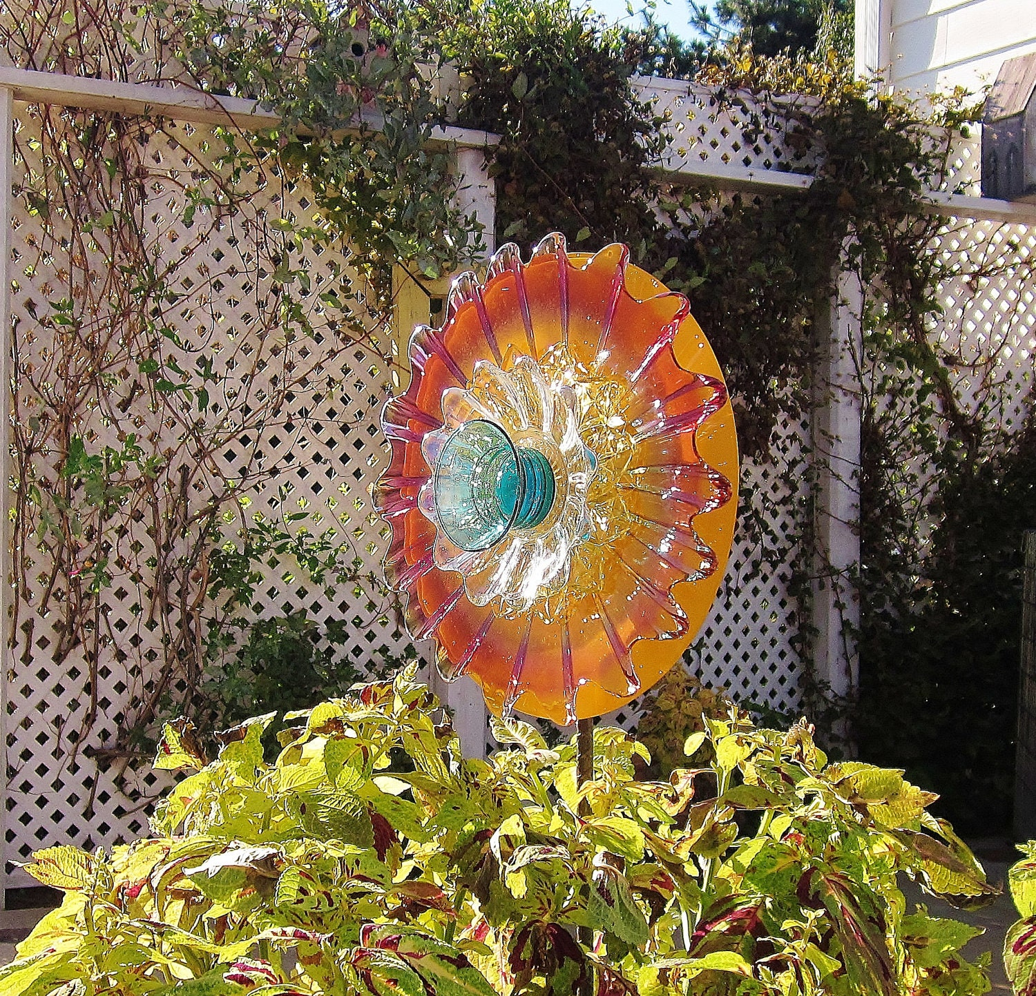 Garden yard art outdoor decor upcycled recycled colorful glass for Upcycled yard decor
