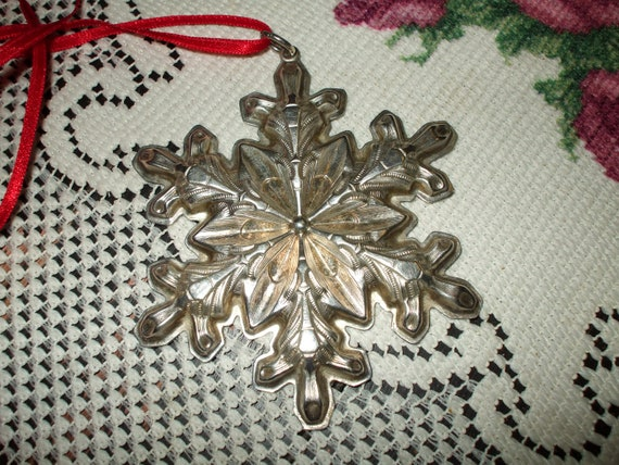 Gorham Sterling Silver Snowflake Ornament or Large Pendant Christmas Collectible Vintage Decoration 1973 with Box and Pouch