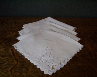Four Vintage Embroidered Linen Napkins with Basket Motif and Scalloped Edges