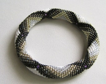 Bead Crochet Pattern:  Dotted Shadow Boxes Bead Crochet Bangle Pattern