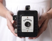 """Vintage Box Camera - 1950s Sunbeam """"120"""""""