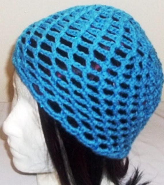 Crocheted mesh lace beanie in blue