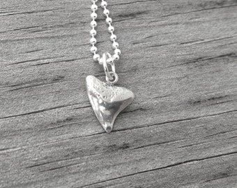 Shark's Tooth Necklace, Shark Tooth Jewelry, Shark's Tooth Pendant, Sterling Silver Jewelry, Charm Necklace, Sterling Silver Shark Tooth