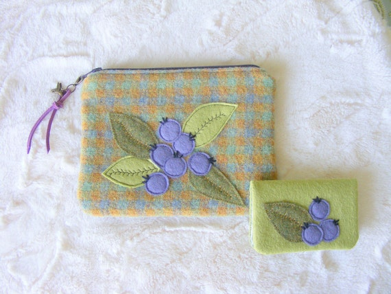 Blueberries applique, wool felt  wallet and credit cards  holder set.