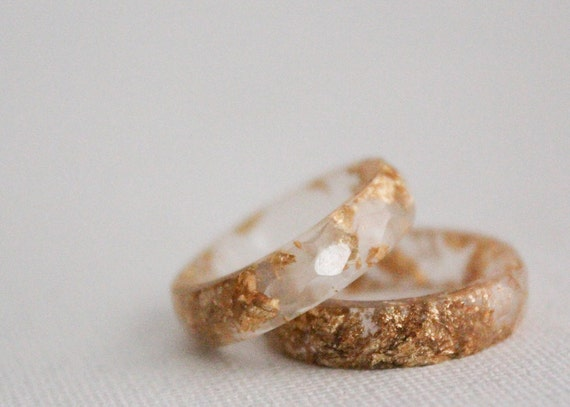 size 7.25 thin multifaceted eco resin ring pale rose with gold flakes