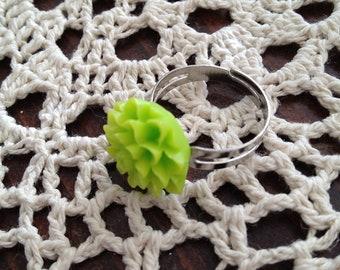 Lime Green Chrysanthemum Ring