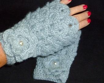 Fingerless Gloves, Hand Warmers, Texting Gloves, Fashion Gloves, Wrist Warmers  - Crocodile Stitch - Heather Grey