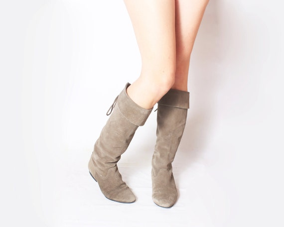Vintage Riding Boots in Taupe Suede - size 6.5, 37