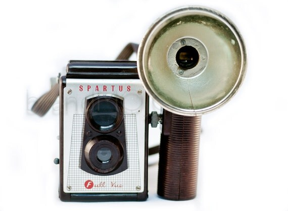 Vintage Spartus Full Vue Twin Lens Reflex camera with flash bulb attachment - TLR decor 120 film format 1950s mid century decor