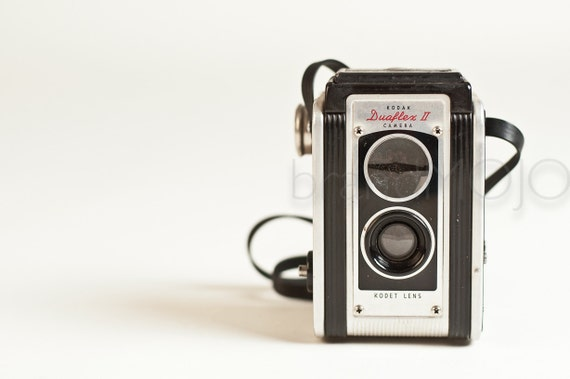 Vintage Kodak Duaflex II TLR camera with strap - retro mid-century mad men decor roll film made in the usa collectible