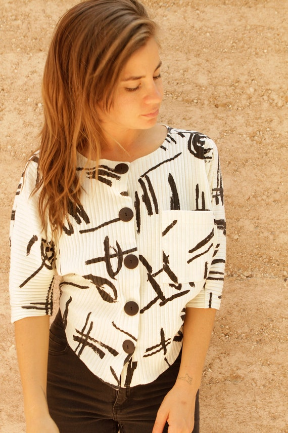 90s abstract SOUTHWEST geo WHITE & black thin CROP top blouse