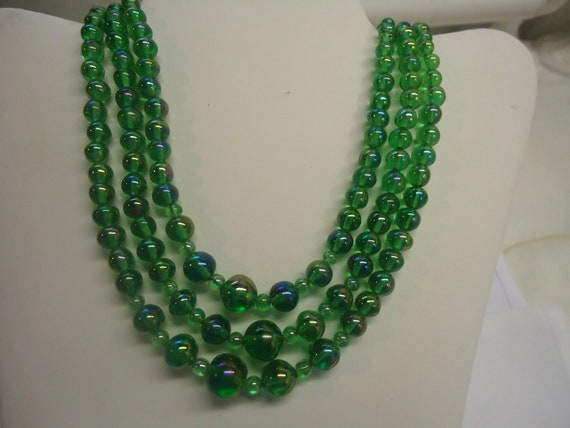 Vintage Necklace Green Glass Triple Strand Graduated Necklace Jewelry