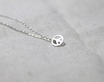 A Tiny Peace pendant Necklace - S2209-1