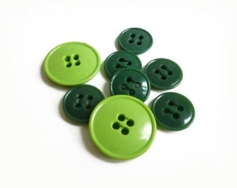 8 Assorted Green Plastic Buttons, 14mm, 21mm