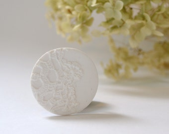 lace white brooch pin - white vintage lace imprint brooch - lace print brooch - white textured brooch - white clay brooch - gift for her