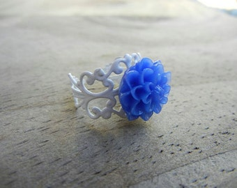 Blue Flower on White Filigree Ring