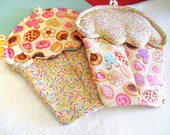 Handmade Cookie Sprinkle Cupcake Oven Mitts with cute variety of cookies Material