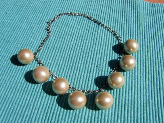VINTAGE Big Faux Pearls Necklace
