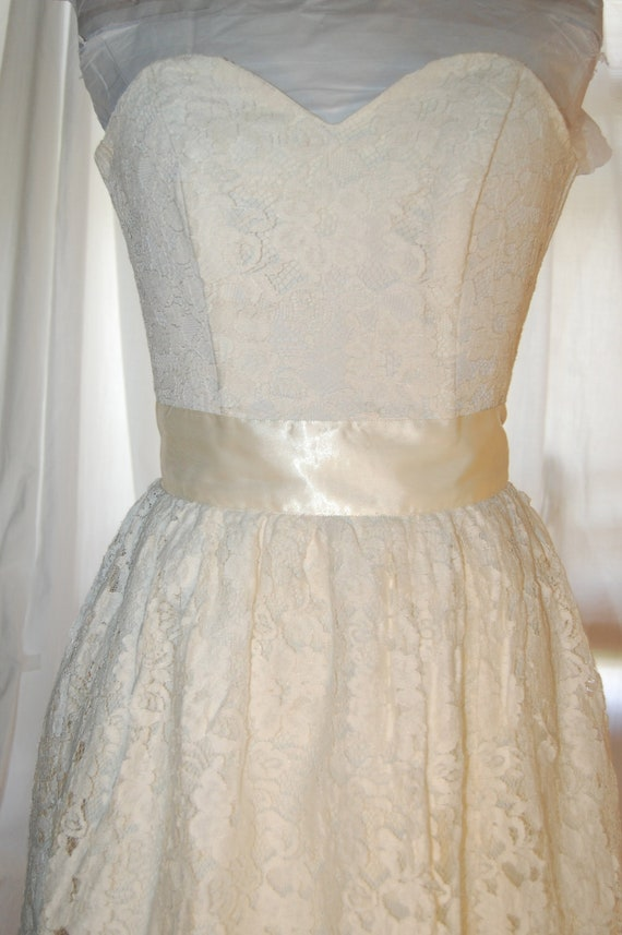 vtg 80s strapless dress lace corset boning top tiered short wedding gown