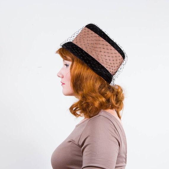 vintage 1960s hat / pillbox / Black & Tan