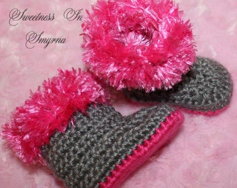 Grey Baby Boots - Furry Boots - Crochet Baby Booties - Baby Winter Boots - Grey and Hot Pink