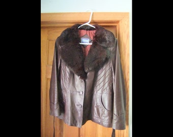 Ladies 1970s Dark Brown Leather Jacket with  Fur Collar and Lapels and Tafetta Lining by Suburban Heritage