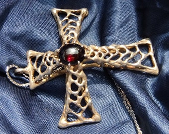 BEAUTIFUL BAROQUE CROSS Pure Silver with Garnet Stone