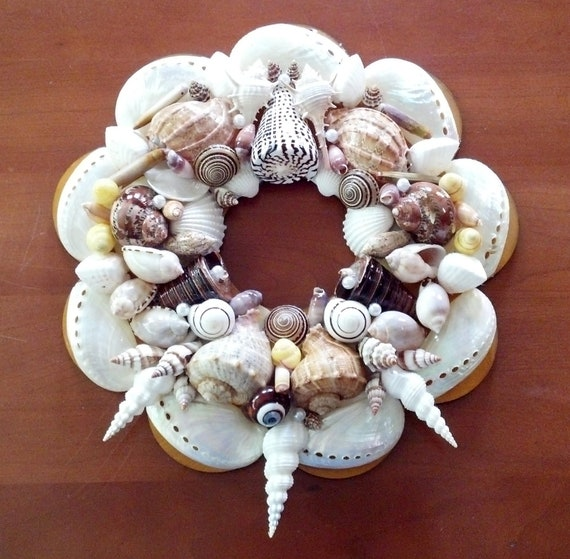 SeaShell Pearlized Wreath 3