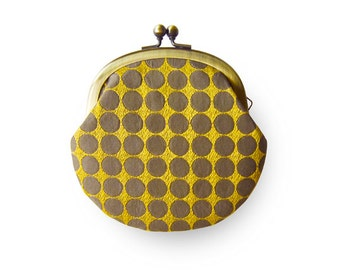 Metal frame coin purse // Lined Yellow Circle
