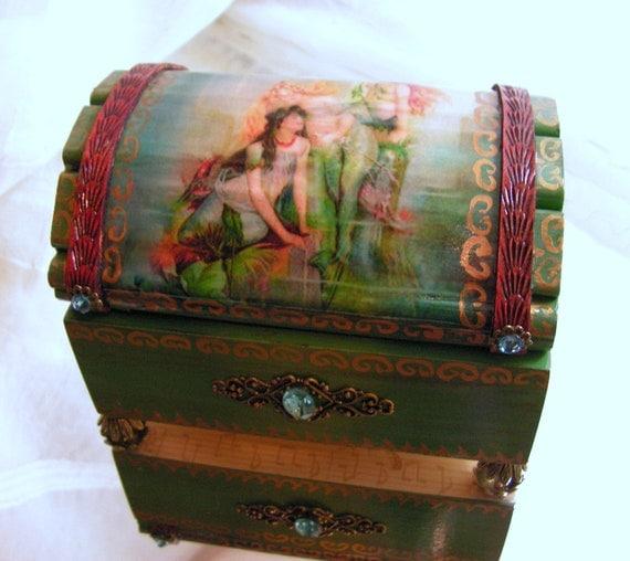 Mermaids Treasure Chest Jewelry / Trinket Box