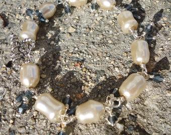 "Ayla's Bead Creations Pearl & Montana blue Crystal 8"" bracelet and Earring set"
