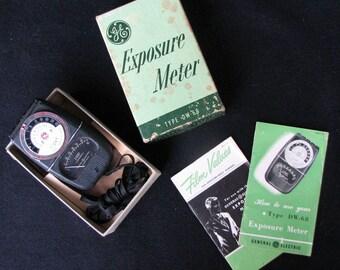 Vintage Light Meter Exposure Meter General Electric Type DW-68 Original Box & Instructions