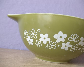 Vintage 1970's Pyrex spring blossom cinderella mixing bowl, 1 quart, green and white glass bowl, retro kitchen glass, glass mixing bowl