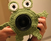 INSTANT DOWNLOAD Frog Camera Buddy PATTERN