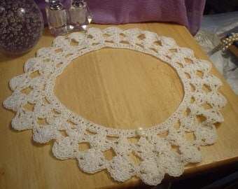 Vintage Hand Crocheted White Collar with Pearl Button, Victorian, Shabby Chic, Renaissance, Elegant, Frilly, Fancy, Antique, Unique, Retro