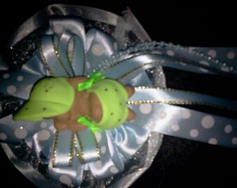 Custom cold porcelain  sleeping baby with capia /corsage favor