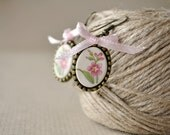 Little flower earrings, handmade ceramic, pink flower, pale pink bow