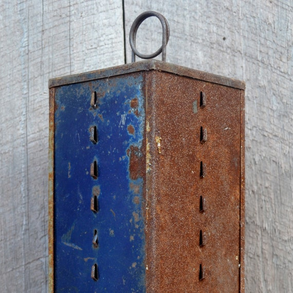 Store Display Revolving Seed Rack Spinning Blue Rusty Chippy